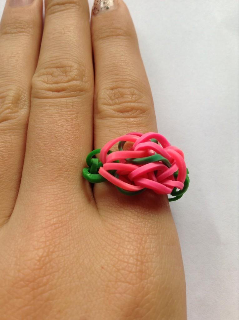 Кольцо из резинок