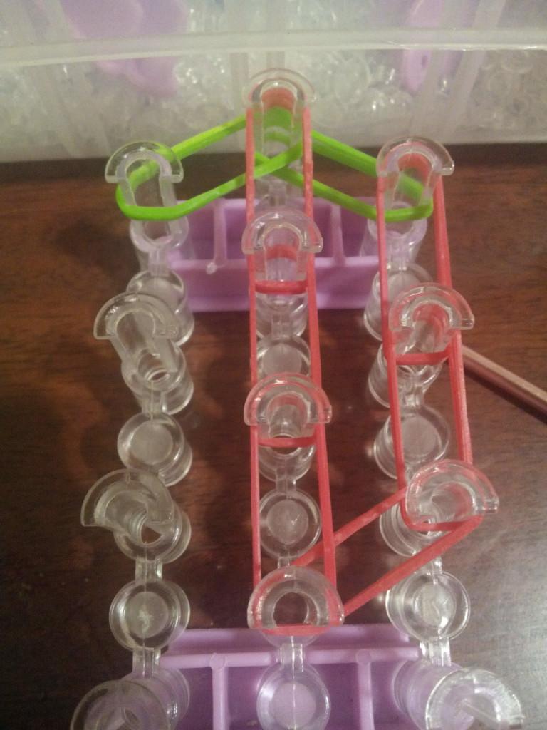 схема плетения клубники